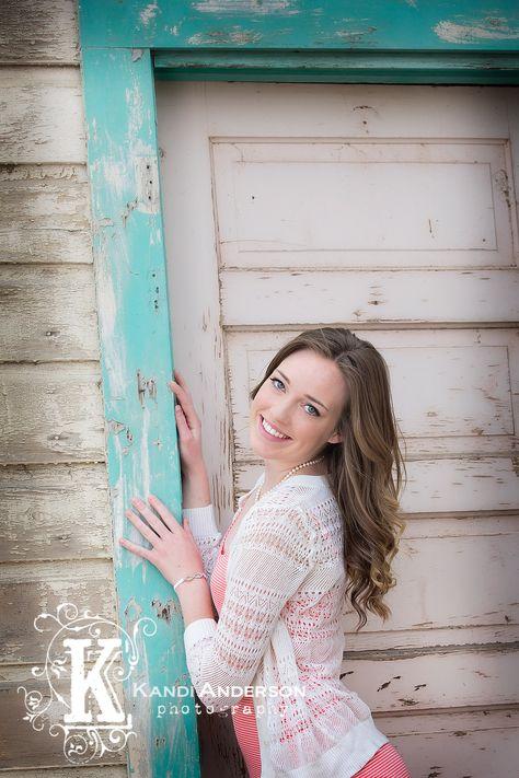 Carlin Nevada High School Senior / Larissa