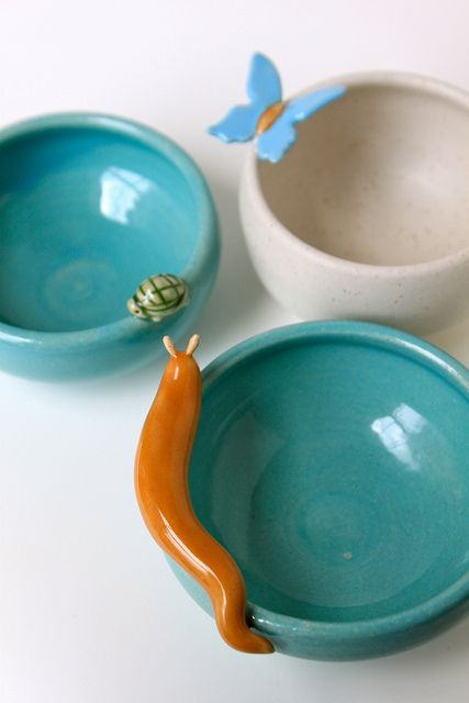 casa-simples: ok,I just love these. Pottery Mugs, Pottery Bowls, Ceramic Pottery, Pottery Art, Clay Art Projects, Ceramics Projects, Ceramic Tableware, Ceramic Clay, Art Clay