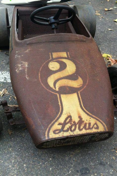 Lotus pedal car