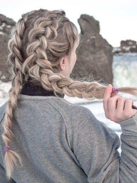 Double Dutch Braid Diese Frisur Halt Den Ganzen Tag Mittellange Haare Frisuren Einfach Frisuren Und Frisuren Lange Haare Geflochten