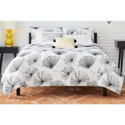 Stylewell Sweeney 5 Piece White Black Floral King Comforter Set Fa94630 K The Home Depot Queen Comforter Sets Comforter Sets King Comforter Sets