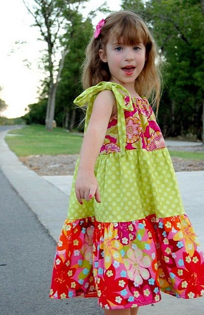 Great picture tutorial/pattern/  (usin gsingle fold bias tape and separate ribbon tie) fit 3-7yr