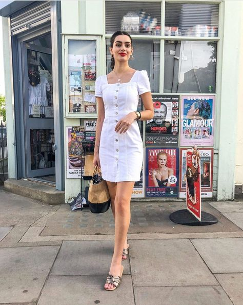 White denim: 12 chic and cool ways to wear it !  Fun and fresh take on your classic denim trend.  #whitedenim #whitedenimhowtowear #whitedenimstreetstyle #whitedenimoutfit #whitedenimoutfitwomen #whitedenimoutfitsummerfashions  #howtowearwhitedenim #whitedenimstreetstyle2019 #whitedenimdress