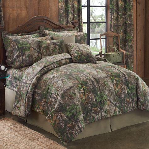 Camo Bedding Realtree Xtra Green Camo Twin Xl Comforter Set I Like The Comforter But I Ve Decided That I Don T Like The Camo Camo Home Decor Comforter Sets Green