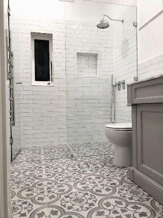 Encaustic Tiles Sydney Cuban Silver Marblebathroom In 2020 Bodenfliesen Muster Marokkanisches Bad Spanisches Badezimmer