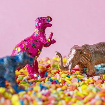 Manualidades Con Dinosaurios Manualidades Actividades De Reciclaje Para Niños Manualidades Infantiles