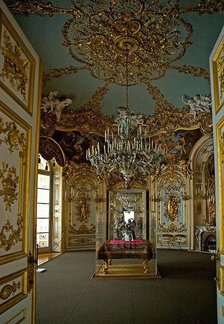 Neues Schloss Herrenchiemsee Herrenchiemsee Castle Germany Interiorgeometrydefinition Castles Interior Palace Interior Castle