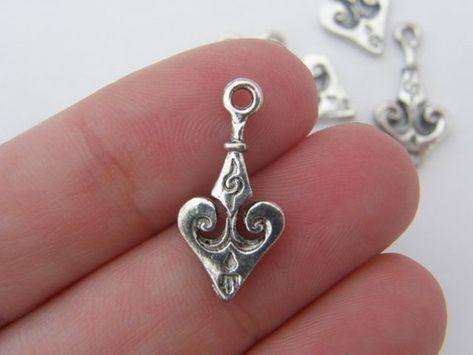 12 Fleur de lis charms antique silver tone WT6