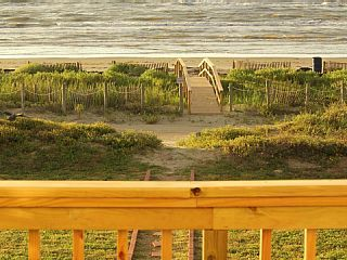 Special 250 Nt Til 02 01 15 Ocean Front Sleeps 20 4 Masters Amp 1 Bunk Roomvacation Re Bermuda Beaches Beach Vacation Rentals Family Vacations In Texas