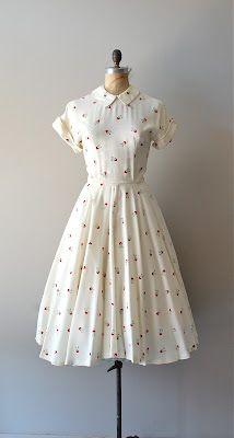 vintage dress Source by Dresses Vintage Outfits, Vintage 1950s Dresses, Vintage Clothing 1940s, 50s Clothing, 1950s Outfits, 50s Vintage, Vintage Inspired Dresses, Vintage Wear, Retro Dress