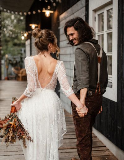 Boho Wedding mit unserem Brautkleid Savannah - Labude Brautmode Köln