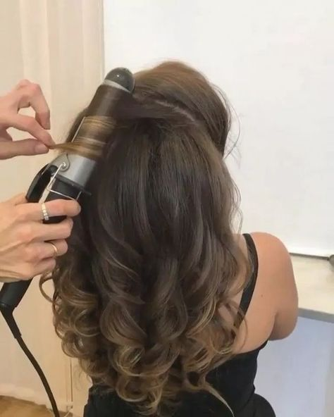 59 Pretty Prom Hairstyle Ideas For Curly Long Hair