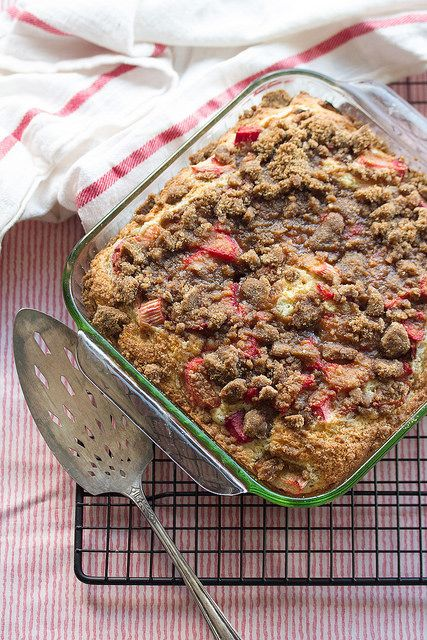 Lemon Rhubarb Coffee Cake: Welcome spring with this fresh and fruity coffee cake topped with chopped rhubarb and a sweet brown sugar streusel.