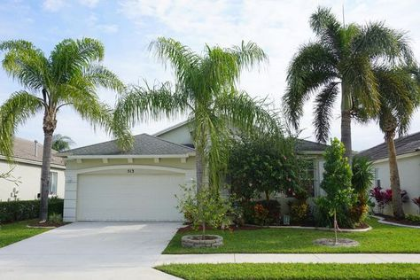 new on the market lake forest st lucie west home with private pool rh pinterest ru