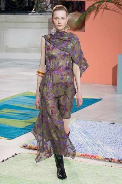 See the complete Peter Pilotto Fall 2017 Ready-to-Wear collection.