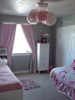 Pink And Grey Little Girl S Room So Cute For Hannah S Big Girl Room Girl Room Girly Room Girls Room Decor