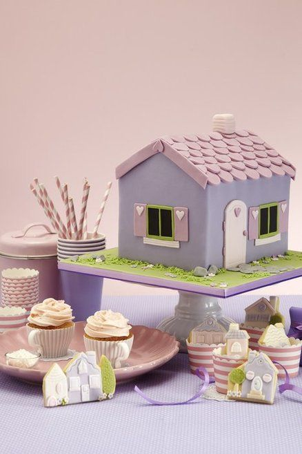 Doll house cake party - my cake decorating book in the works