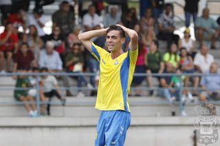 Tiempo De Deporte Dura Derrota Con Goleada De Las Palmas Atlético 6 Atleta Deportes Cayendo