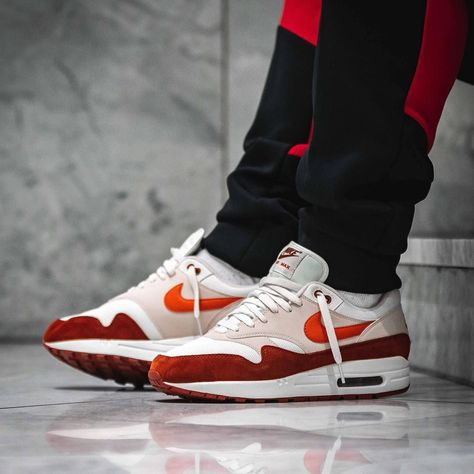 new styles f4ef4 8dc1b Release Date   May 3, 2018 Nike Air Max 1 « Curry 2.0 » Credit   Afew Store