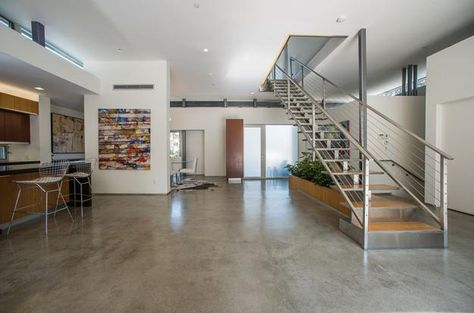 Photo 5 Beautiful polished concrete floor in modern home in - led für wohnzimmer