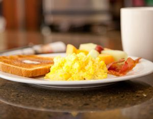 complimentary hot breakfast buffet staybridge suites nw medical rh pinterest com au