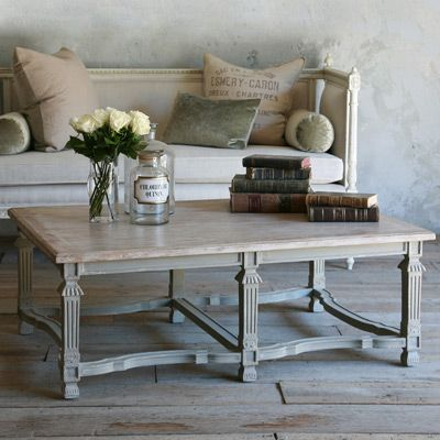 eloquence medici coffee table with an antique feel vignettes rh pinterest co uk
