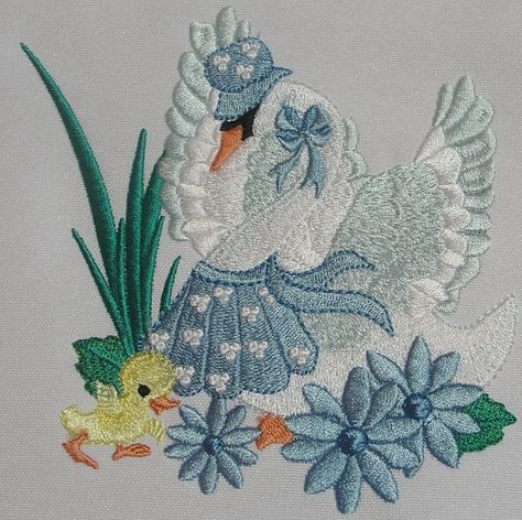 900 Machine Embroidery Ideas In 2021 Machine Embroidery Embroidery Machine Embroidery Designs