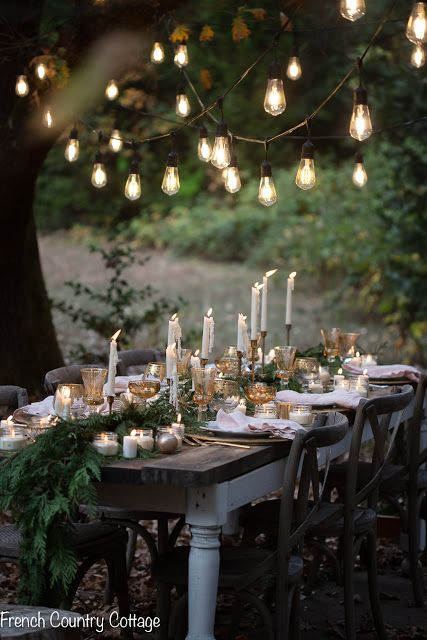 Christmas Ambiance A Table Under The Stars French Country Cottage French Country Christmas Outdoor Christmas Decorations Outdoor Christmas