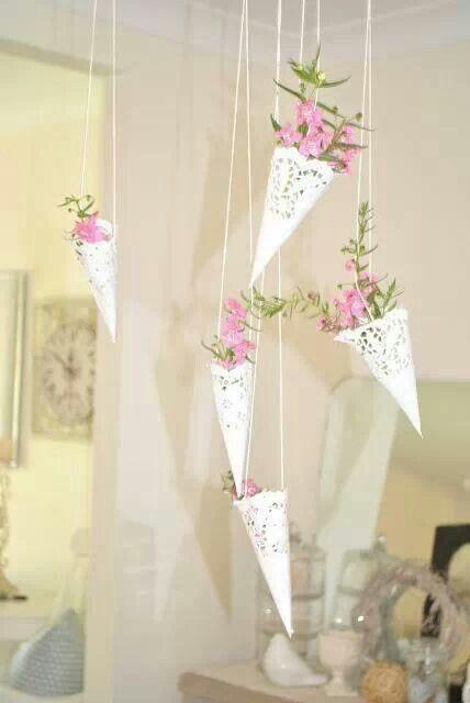 16 idées de déco de mariage avec des napperons en papier