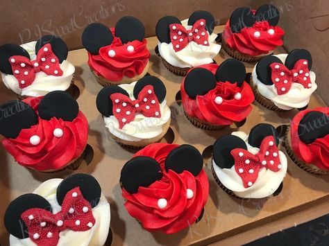 Mickey And Minnie Cake, Minnie Mouse Cookies, Mickey Mouse Cupcakes, Minnie Mouse Party, Mouse Parties, Disney Parties, Mickey Mouse Desserts, Mickey Party, Mickey 1st Birthdays