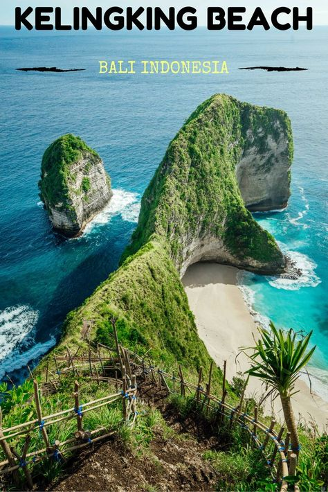KELINGKING BEACH ON NUSA PENIDA IN BALI, INDONESIA