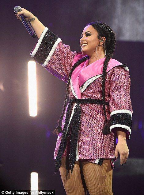 Demi Lovato Wows In Skimpy Outfits On Tell Me You Love Me World Tour Confident Demi Lovato Demi Lovato Pictures Demi Lovato