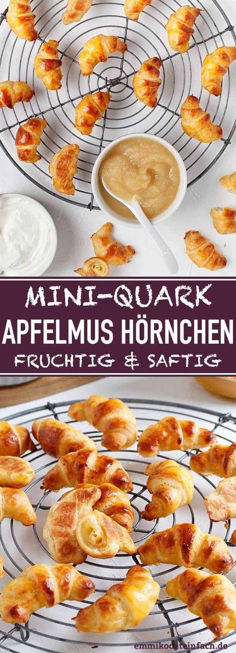 Mini Quark-Apfelmus Hörnchen | Das einfache Rezept ist in nur 40 Minuten auf den Tisch gezaubert. Das Apfelmus im Teig ersetzt einen Teil der Butter und macht die Hörnchen fruchtig und saftig. Sie passen auf jedes Brunch-Buffet, Frühstück, als Ergänzung auf der Kaffeetafel, als Mitbringsel für das Kindergarten- oder Schulfest. | #hörnchen #apfelmus #gebäck #fingerfood #rezept #einfachkochen | emmikochteinfach.de