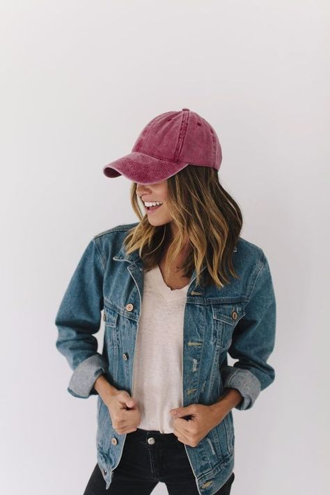 Unisex Vintage Washed Distressed Baseball Cap Twill Adjustable Dad Hat Best Picture For baseball cap storage For Your Taste You … Cap Outfits For Women, Outfits With Hats, Cute Outfits, Clothes For Women, Caps For Women, Girl Baseball Cap, Baseball Cleats, Baseball Socks, Baseball Cap Outfit Summer