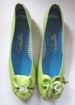 Pappagallo shoes.  LOVED these shoes!  You had to have them in every color to match your wardrobe!