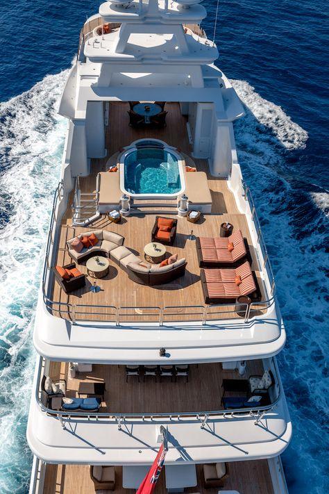 Luxury Yacht Interior, Luxury Cars, Boat Interior, Simple Interior, Yacht Design, Bateau Yacht, Ski Nautique, Big Yachts, Kombi Home