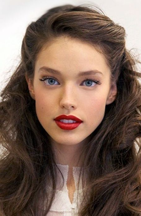 17 Trendy Long Hairstyles For Women 1950s Hairstyles For Long Hair Medium Hair Styles Curls For Long Hair