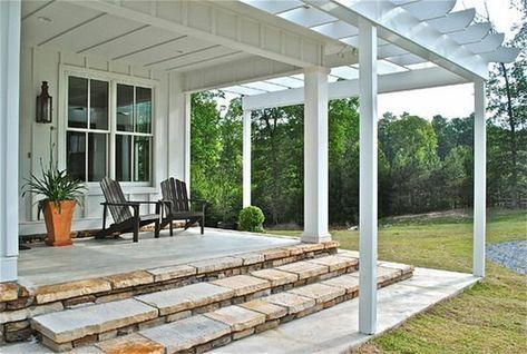 terrassenüberdachung holz weiß pflanze stühle treppen Garten - auswahl materialien terrassenuberdachung