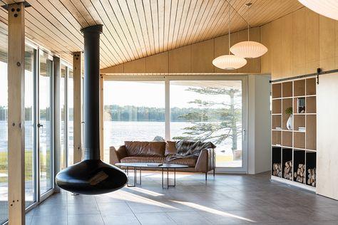 Herman Miller Nelson Saucer Bubble Pendants Illuminates This Living Space Get Herman Miller Lighting At Lightform C Modern Cottage Cottage Design House Design