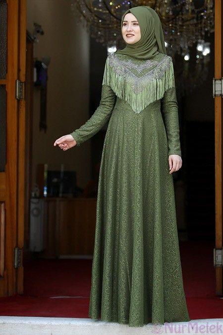 Puskul Detayli Yesil Tesettur Soz Elbisesi Aksamustu Giysileri Elbise Modelleri The Dress