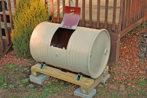 Really simple example of a very cheap DIY compost tumbler made using recycled wood, a recycled barrel and four casters.