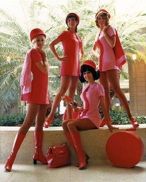 PSA flight attendants - pink and red shift dress with patent leather boots for a perfect mod look 60s And 70s Fashion, Fashion Mode, Retro Fashion, Vintage Fashion, 1960s Fashion Dress, Fashion Styles, Mary Quant, Looks Vintage, Twiggy
