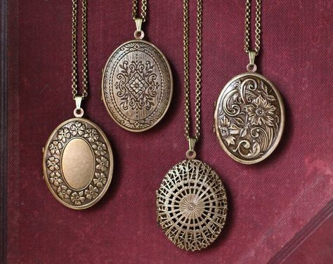 Floral Tapestry Natural Perfume Locket with Antique finish, Romantic engraved pendant, Boho Victorian Locket, Antique Brass Long Necklace Jewelery, Jewelry Necklaces, Piercings, Wedding Gifts For Bridesmaids, Solid Perfume, At Least, Fragrance, Antique Brass, Vintage Locket Necklace