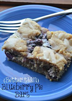 Better than Blueberry Pie Bars. A sweet crust paired with sweetened fresh blueberries and a drizzle of icing. #recipe #blueberry #realfood