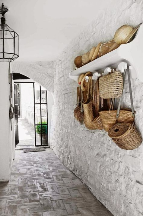 A rustic Italian cottage. Hand bags and hats Photography by Kristian Septimius/House of Pictures. Italian Cottage, Italian Home, Rustic Cottage, Italian Interior Design, Interior And Exterior, Contemporary Interior, Decoration Hall, Entryway Decor, Entryway Stairs