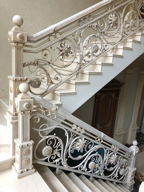 Super Wrought Iron Stairs Railing Banisters 19 Ideas In 2020 Wrought Iron Stairs Iron Stair Railing Stairs Design