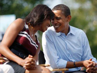 50 romantic photos show why everyone misses Barack and Michelle Obama Make friends in college