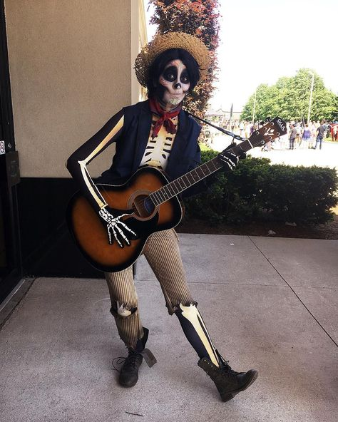 Lots of inspiration, diy & makeup tutorials and all accessories you need to create your own DIY Coco Hector Rivera Costume for Halloween.