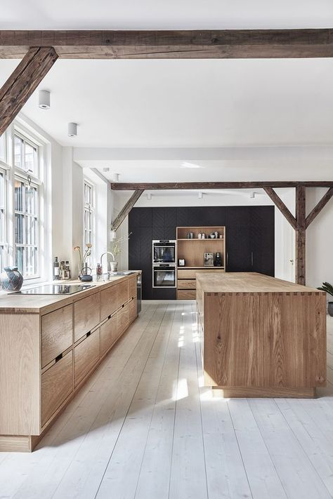 Kitchen of the Week: Lukas Grahams Stunning and Sustainable Kitchen (Bungalow5)
