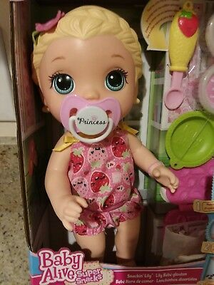 Baby Alive Snackin Lily Super Snacks Blonde New In Box Ships Worldwide Baby Alive Baby Alive Magical Scoops Baby Alive Dolls